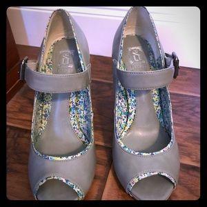Decree gray peep toe Mary Jane size 7
